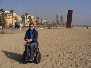 Blumil i2 electric wheelchair on barcelonian beach