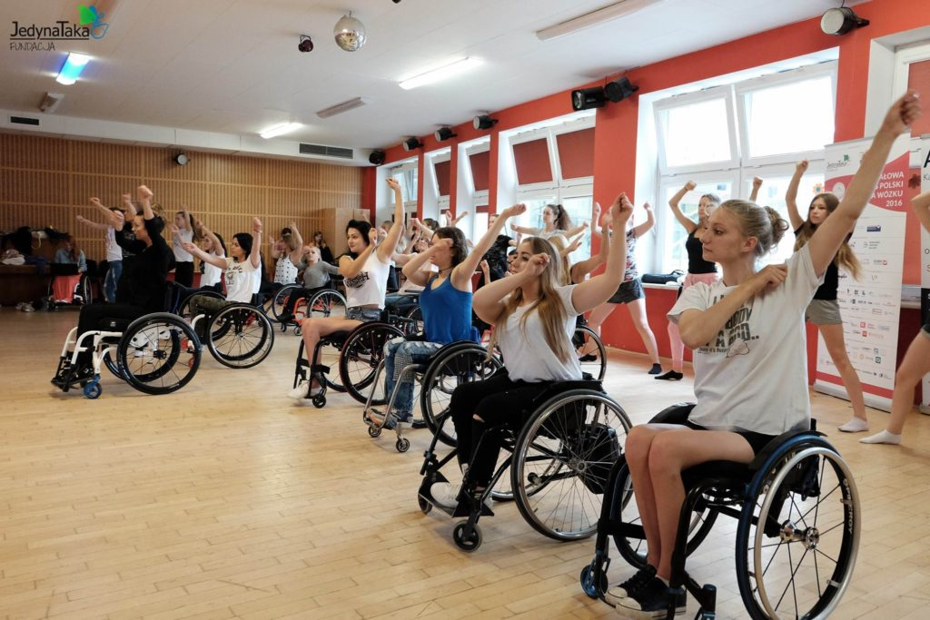 Miss Wheelchair World, beauty contest in Warsaw, no limits, electric wheelchair