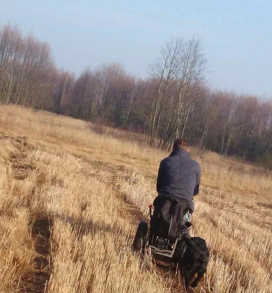 Blumil electric wheelchair, driving through fields, accessible travel