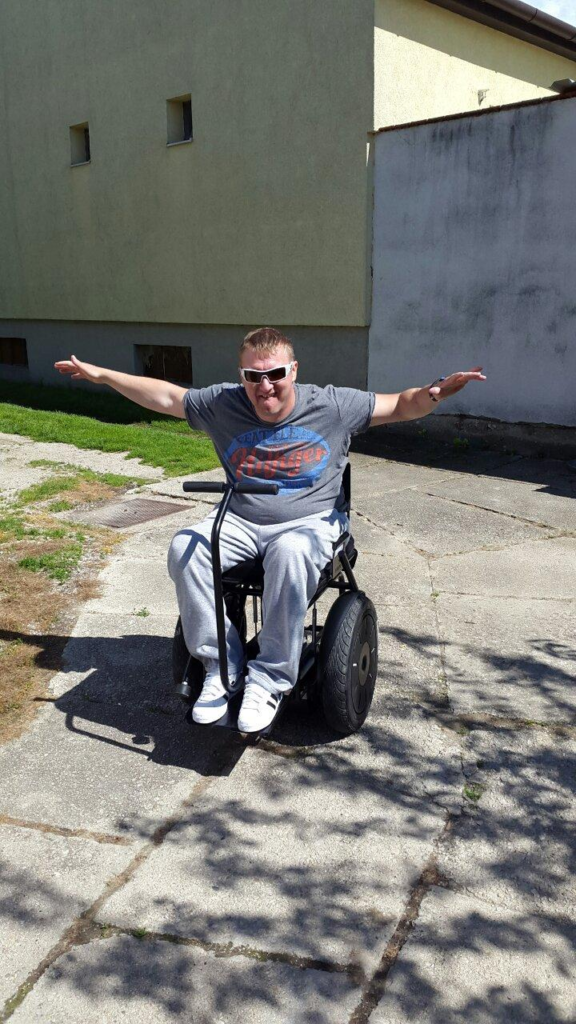 Blumil electric wheelchair user, accessible travel, travel in an electric wheelchair