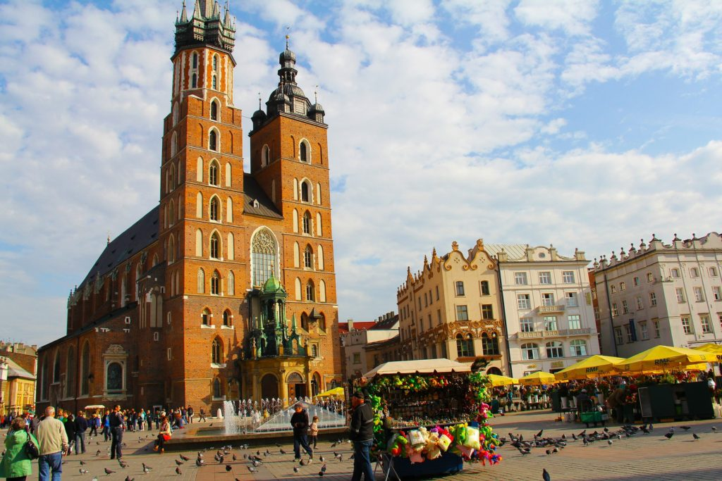 Saint Mary's Church in Krakow, Kosciol Mariacki in Krakow, wheelchair friendly Krakow, Krakow for manual and electric wheelchair users, electric wheelchair, accessibility in Kraków