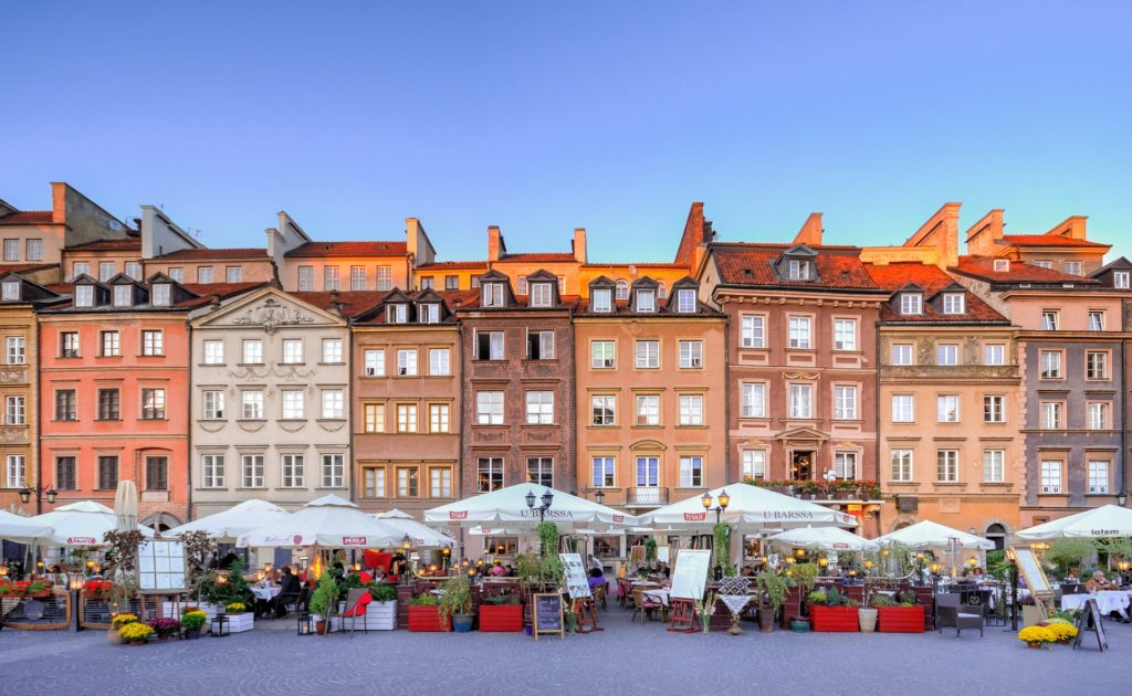 Warsaw's Old Town Market Place, Old Town, Warsaw, Warsaw for wheelchair users, accessibility in Warsaw, wheelchair friendly Warsaw, Warsaw for manual and electric wheelchair users, best accessible vacations, electric wheelchair